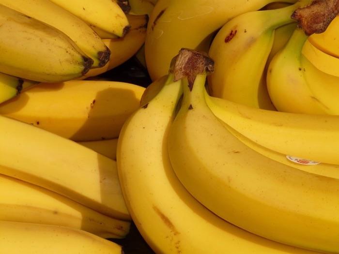白い食べ物 バナナ